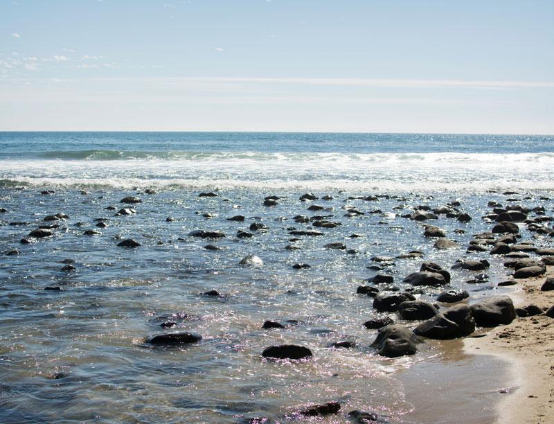 malibu-beach-ocean-rocks-scene-pristine.jpg