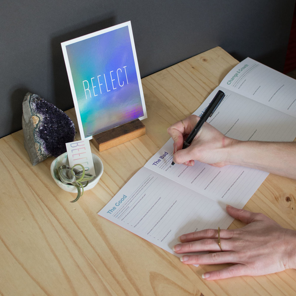 writing-open-guide-tattly-stand-reflect-holstee-1200px.jpg