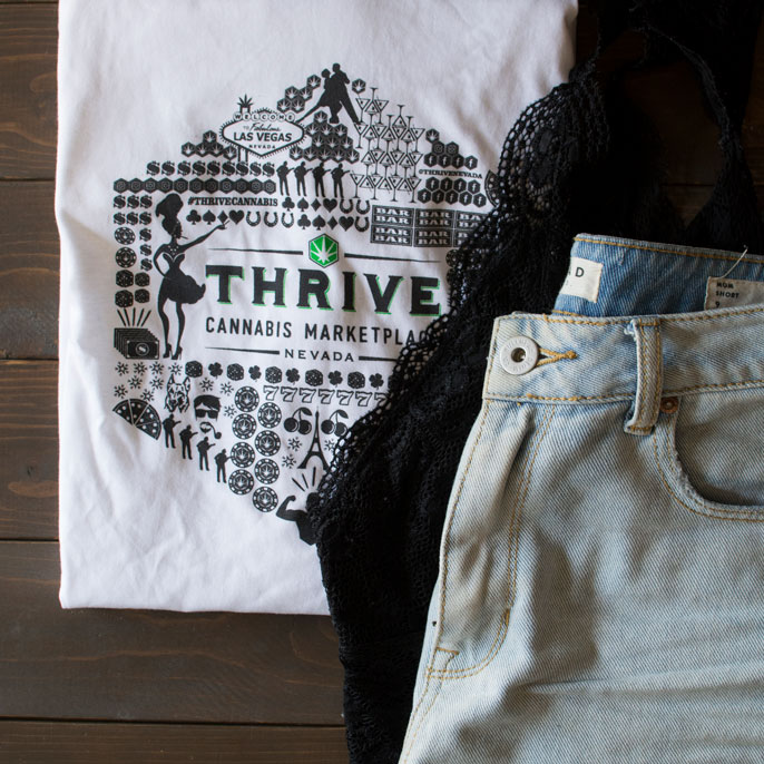 shirt-lace-jeanshorts-thrive.jpg