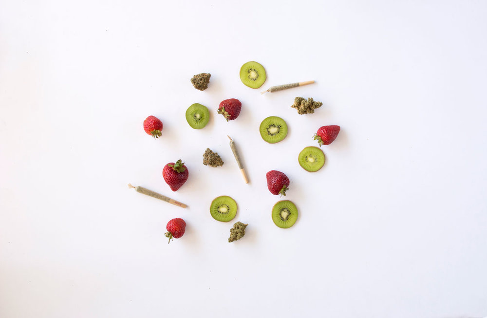 styled-bud-kiwi-strawberry-inyo-jun2017-1200px.jpg