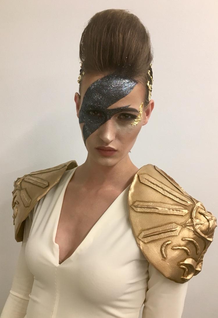 "Katya backstage ""Aladdin Sane"""