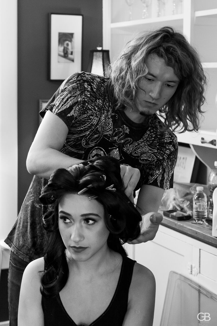 styling Elora's mane. Image by Gary Barragan