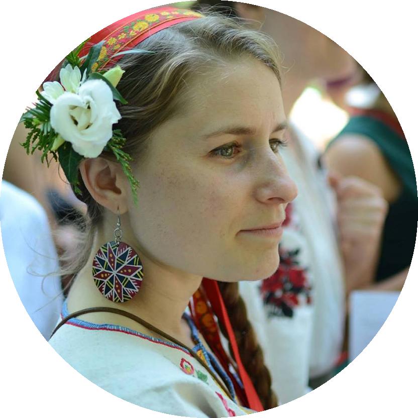 BOZENA HRYCYNA  (Kosa Kolektiv) • Pysanky • Weaving • Singing