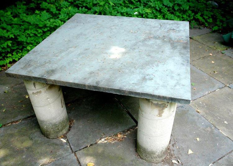 Table: Cast Concrete & Bluestone