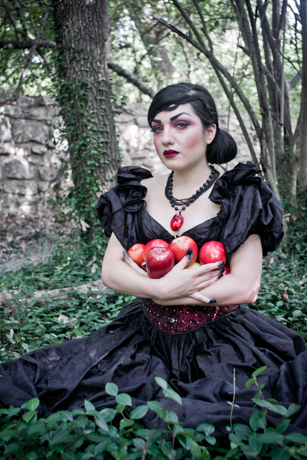 August - The Wicked Queen! A crazy fun Snow White themed photoshoot with Andrea Gutierrez, hair by Kelley Alba and makeup by Kassy Holly.