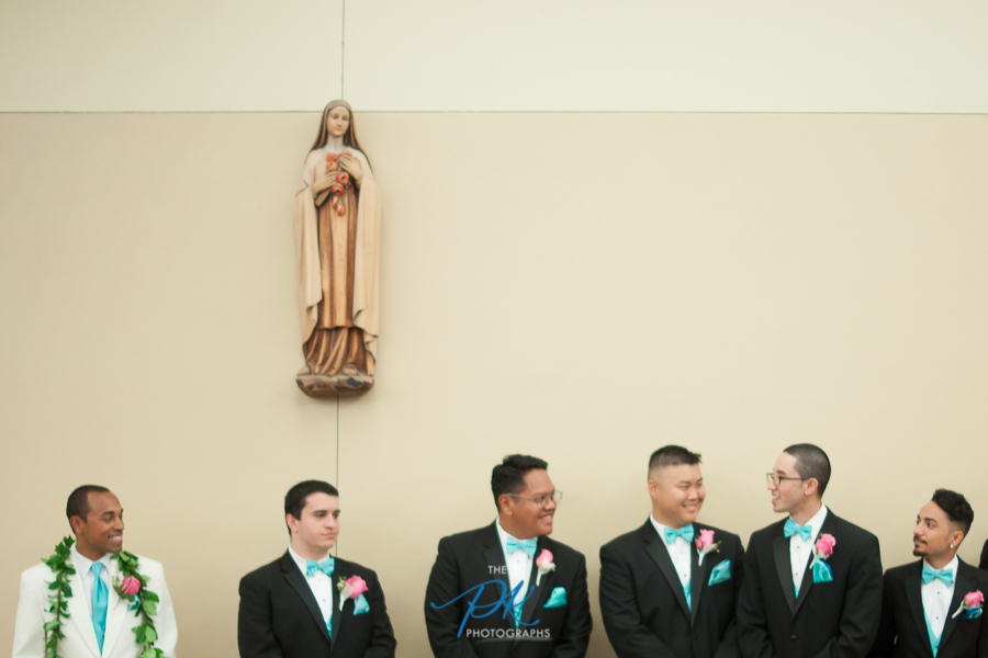 Groom and groomsmen Before the Ceremony - San Antonio Wedding Photographer