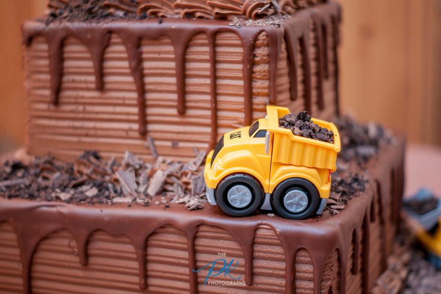 grooms-chocolate-cake-texas-wedding-topy-truck-cat-dump-truck.jpg