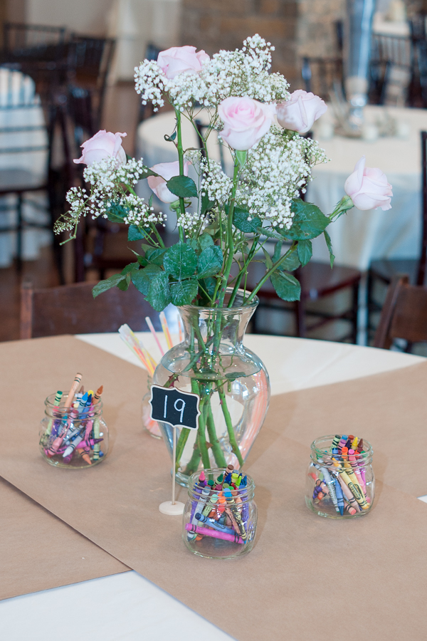 Kids Table at the Lodge at Country Inn Cottages | San Antonio Wedding Photographer