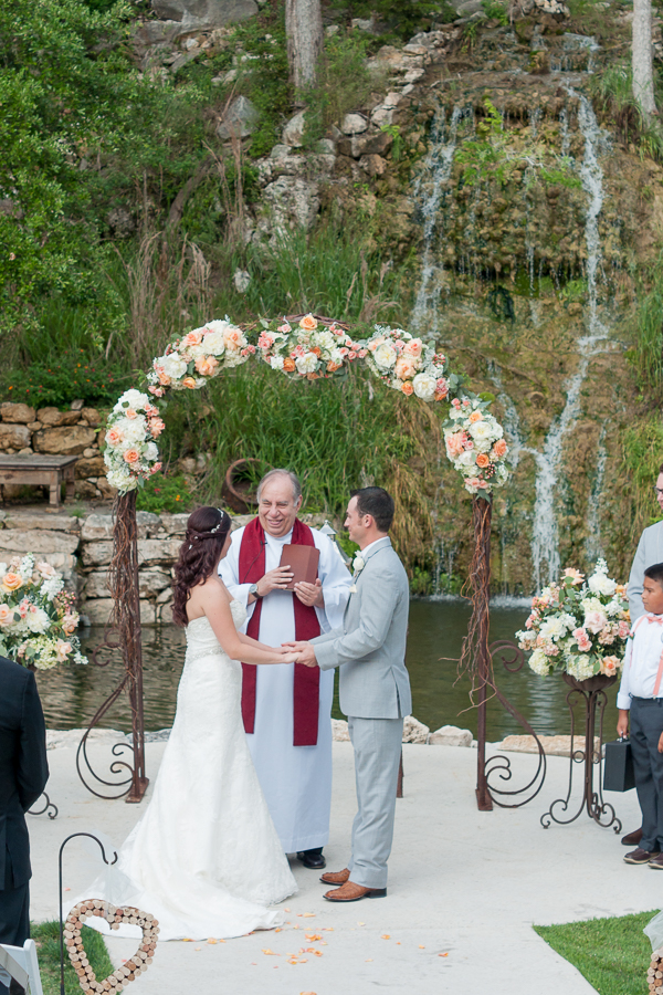 Wedding Ceremony at The Lodge at Bridal Veil Falls | San Antonio Wedding Photographer