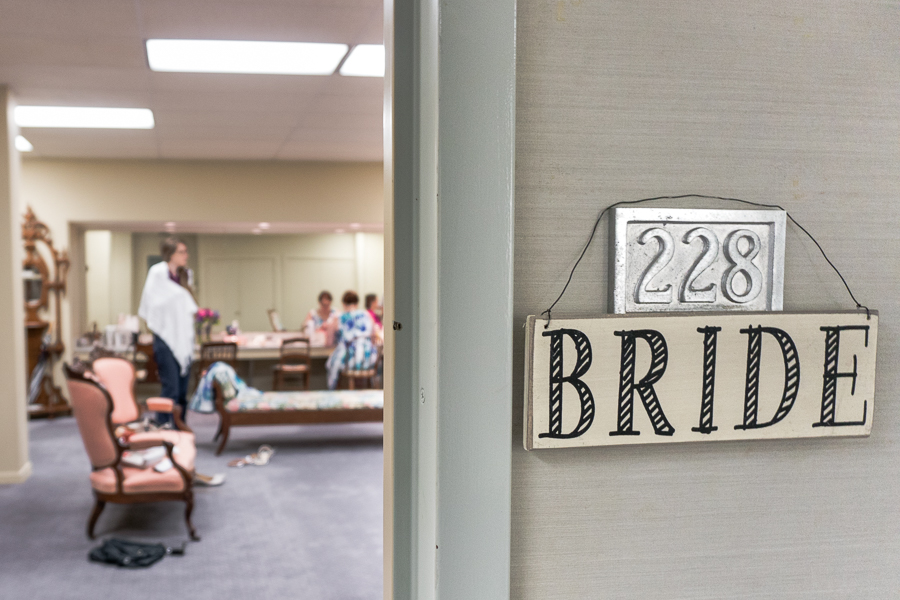 Bridal Suite at First Presbyterian Church | San Antonio Wedding Photography