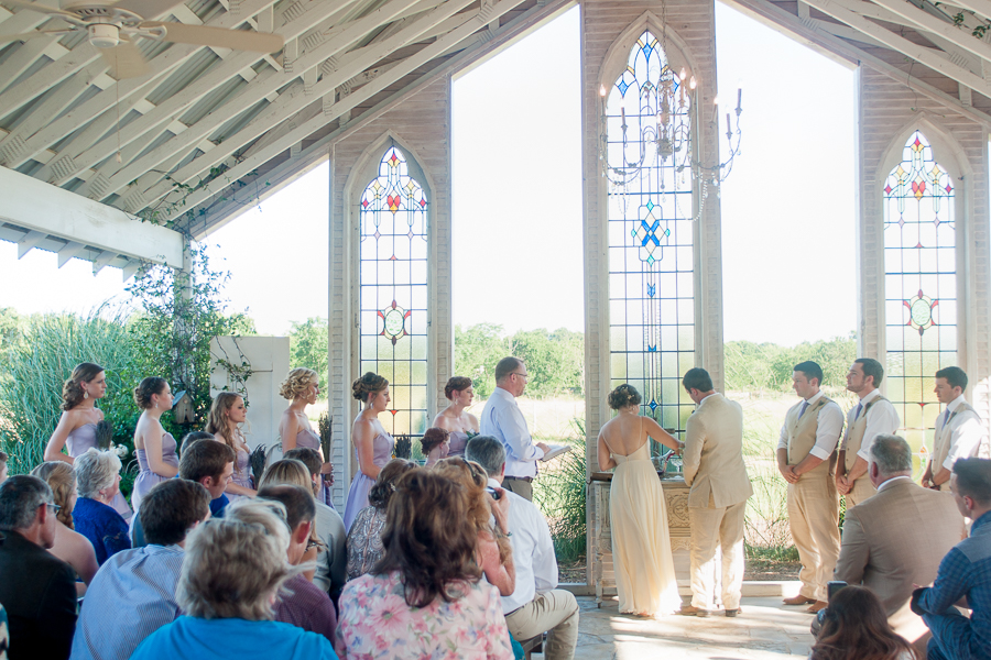 gruene-estate-cathedral-open-air-san-antonio-wedding-photographer-14.jpg