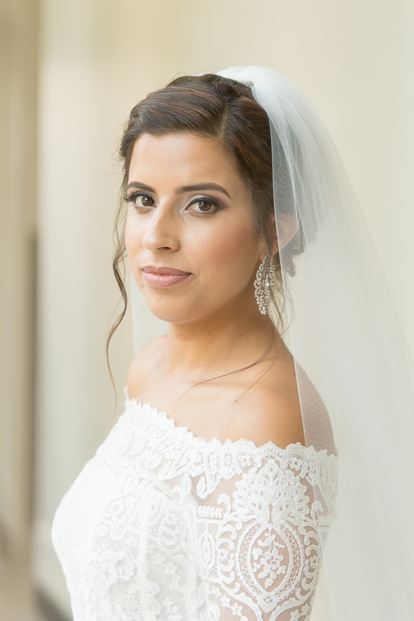san-antonio-wedding-photographer-bride-lace-dress.jpg