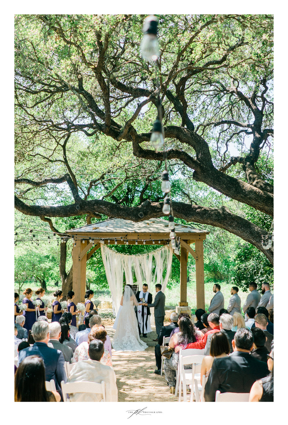 Wedding ceremony at Magnolia Halle in San Antonio, Texas - Photographed by The PK Photographs