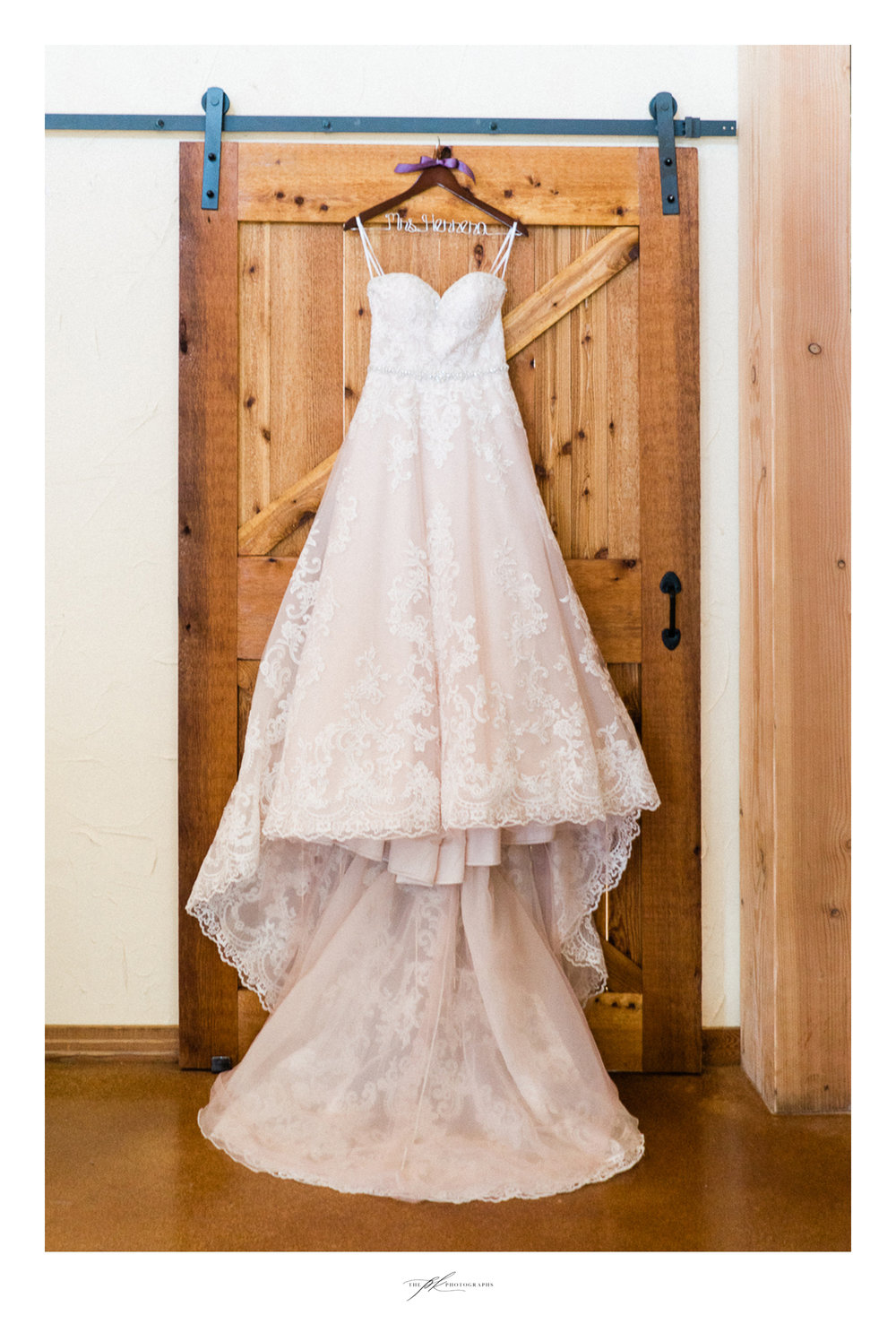 Bride's wedding dress at Magnolia Halle in San Antonio, Texas - Photographed by The PK Photographs