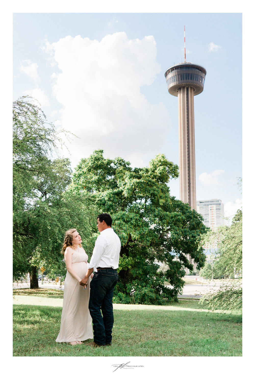 Maternity couple's portrait session downtown San Antonio, Texas. Photography by Parker Radbourne of The PK Photographs
