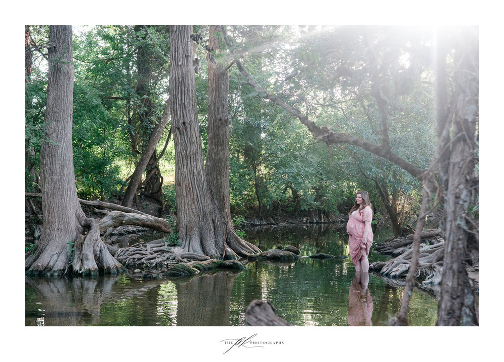 Maternity Portrait session near San Antonio, Texas.
