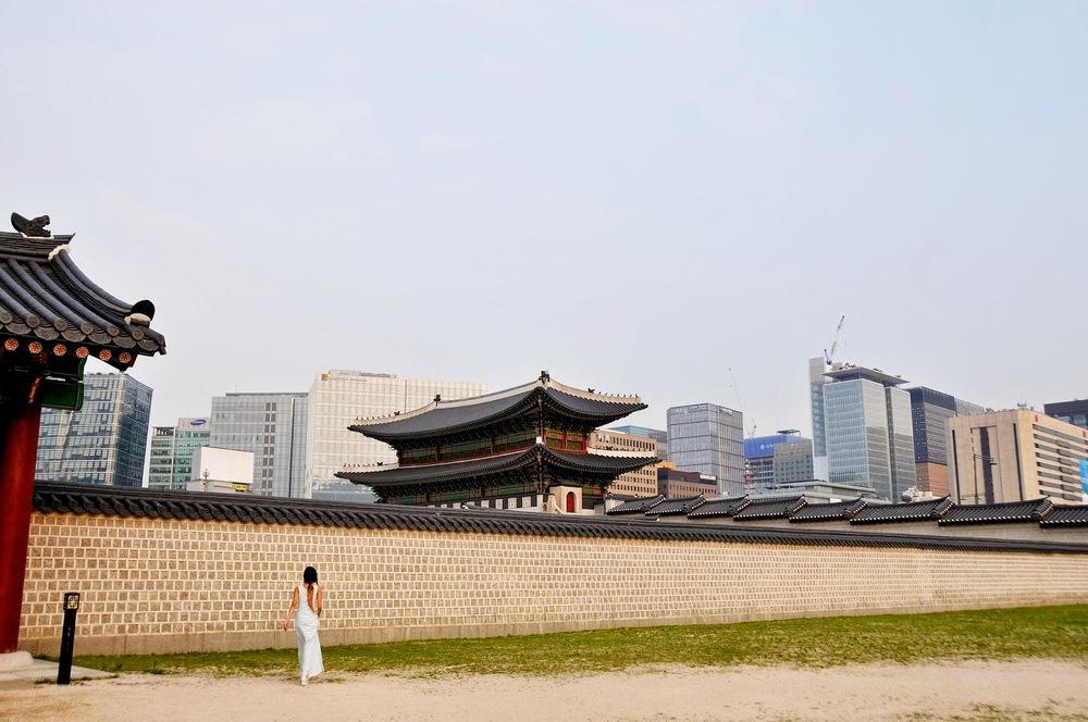 Gyeongbokgung_Seoul_Groceries_Apparel