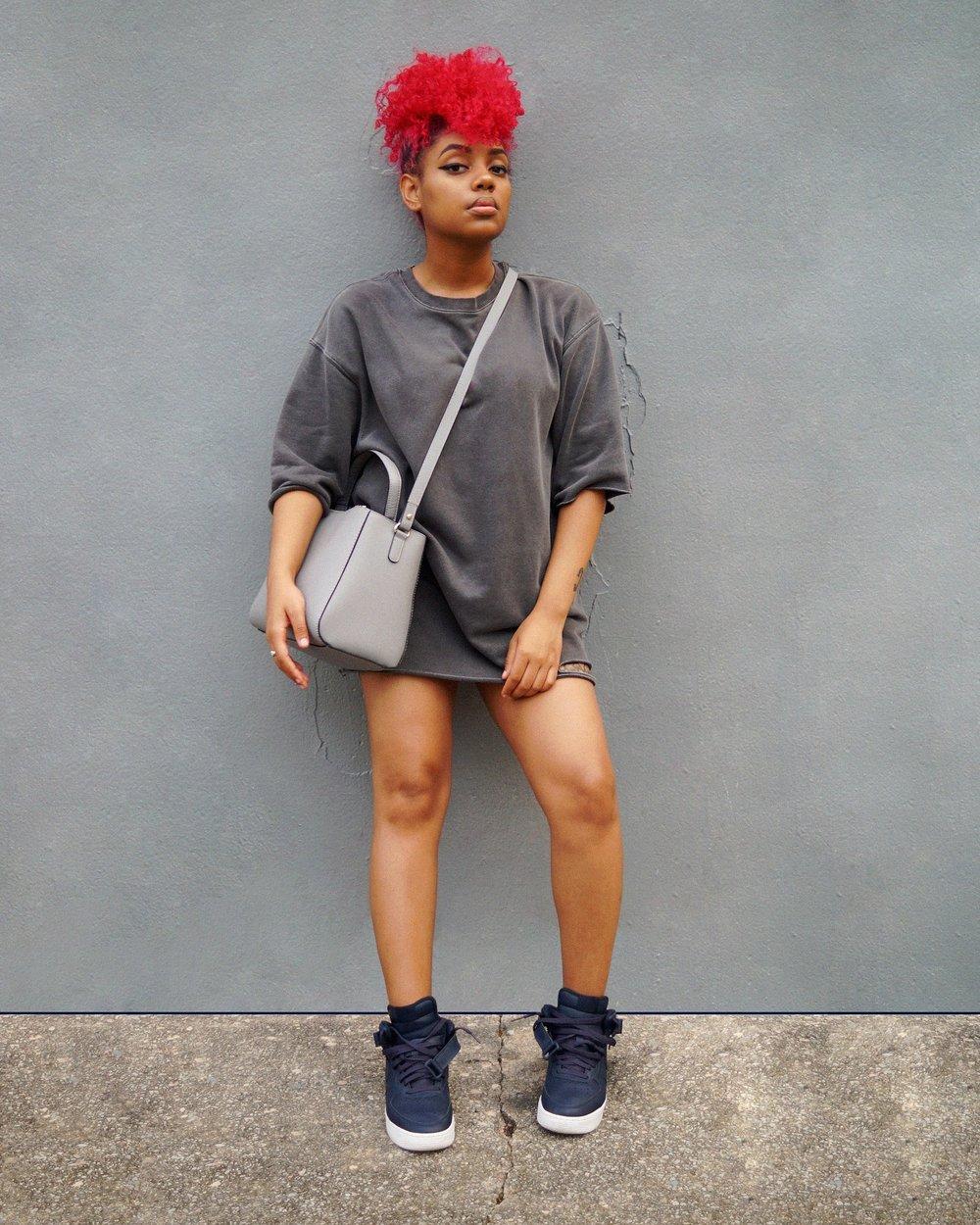 Sweater: H&M | Bag: ZARA | Sneakers: NIKE