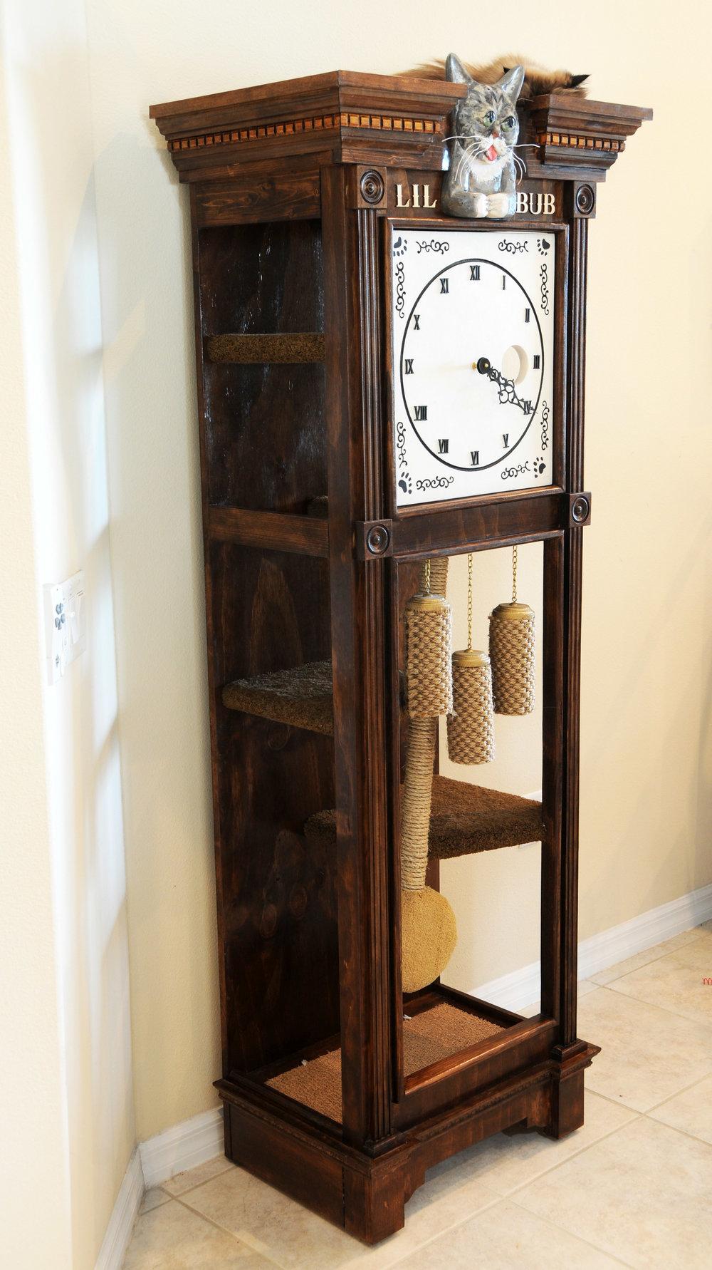 Sq-Paws-Bub-Clock-002.JPG
