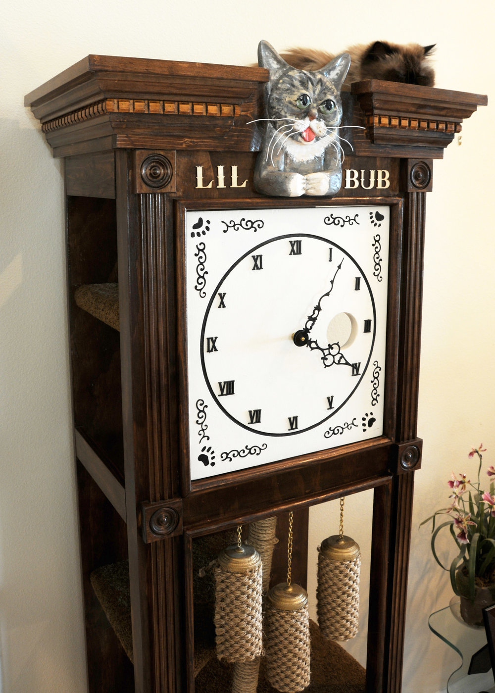 Sq-Paws-Bub-Clock-003.JPG