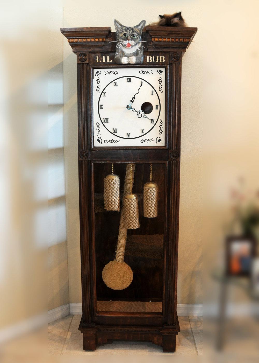 Sq-Paws-Bub-Clock-001.JPG