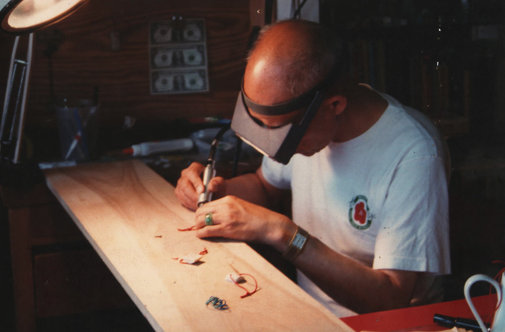 Grandmaster Moy Yat at work. Source:  vingtsunkuenkuit.com