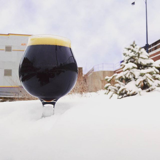 On snowy days we drink Phase Transition. This robust porter with brown sugar will warm the soul. #empiricalbrewery #chicago #craftbeer #phasetransition #porter