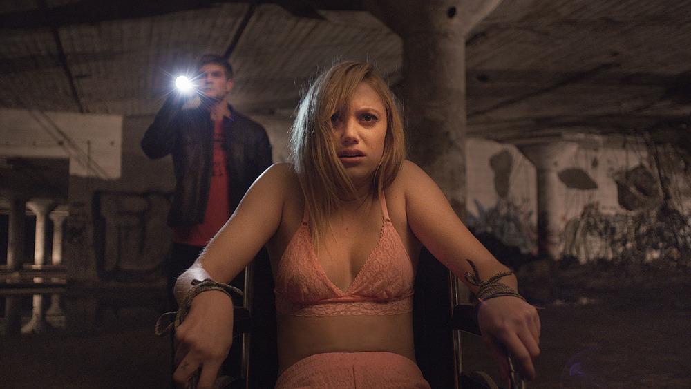 Maika Monroe as Jay
