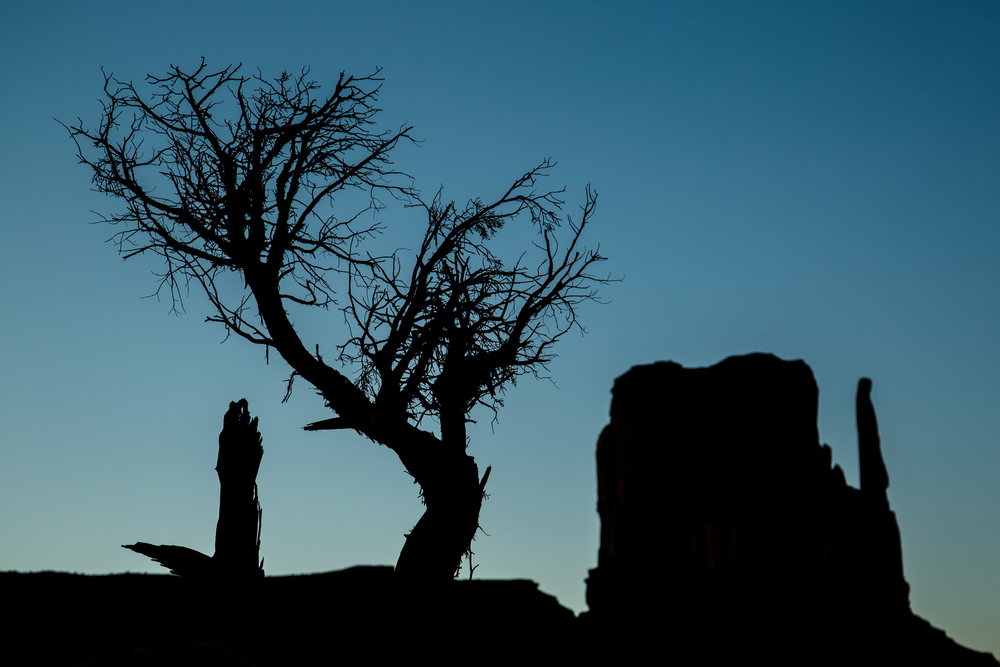 Monument Valley silhouette.jpg