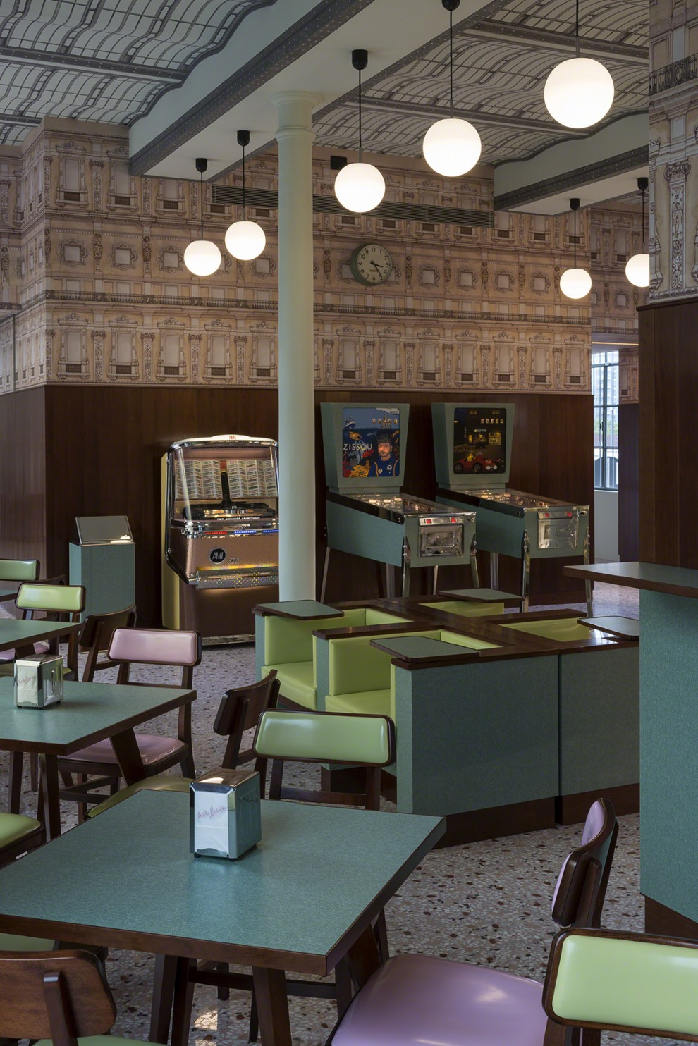 wes-anderson-bar-luce