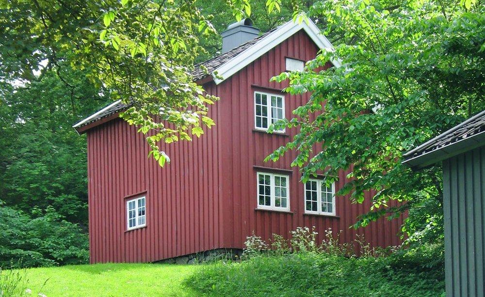 I dette huset fra husmannsplassen Hesthagen i Holt i Tvedestrand vokste Knud Knudsen opp. I dag tilhører husmannsstua  Aust-Agder kulturhistoriske senter i Arendal. Foto:Karl Ragnar Gjertsen.