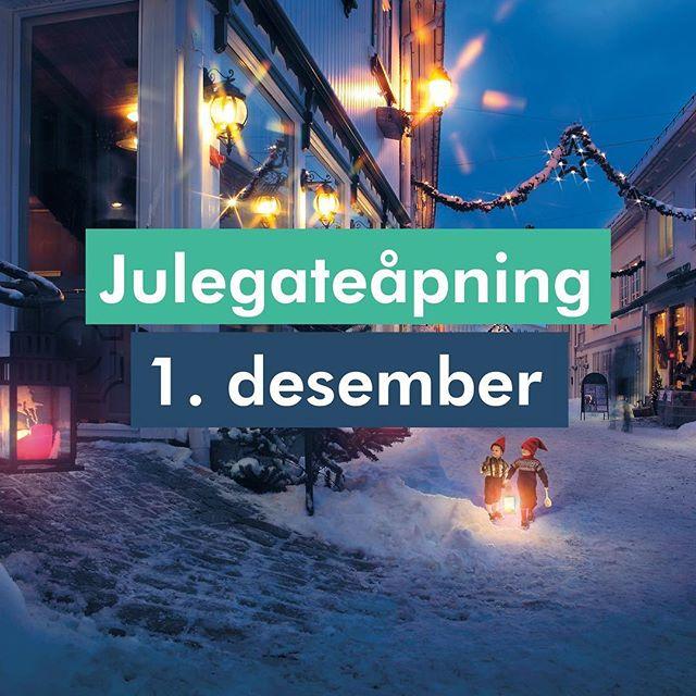 Jepp! Og du er velkommen! #tvedestrandby #jul #juletretenning #julegate #tvedestrand #juliskomakerggata