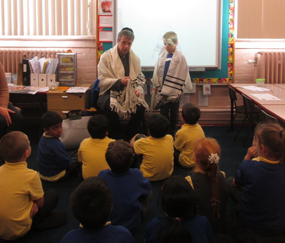 Prayershawl workshop wavertree school.jpg