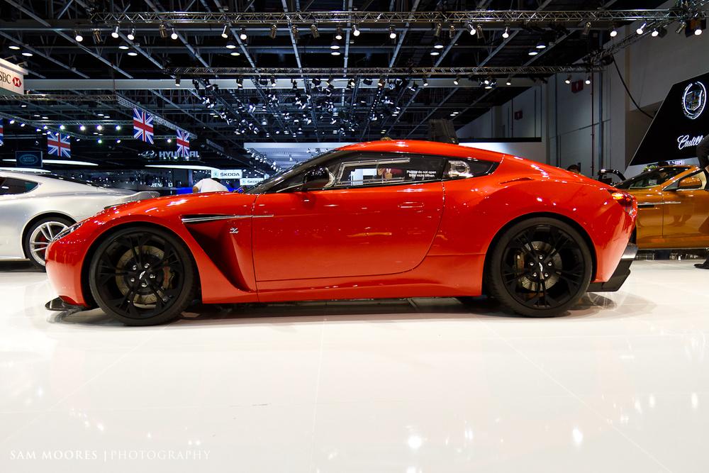 SMoores_11-11-10_Dubai-Motor-Show_0085.jpg