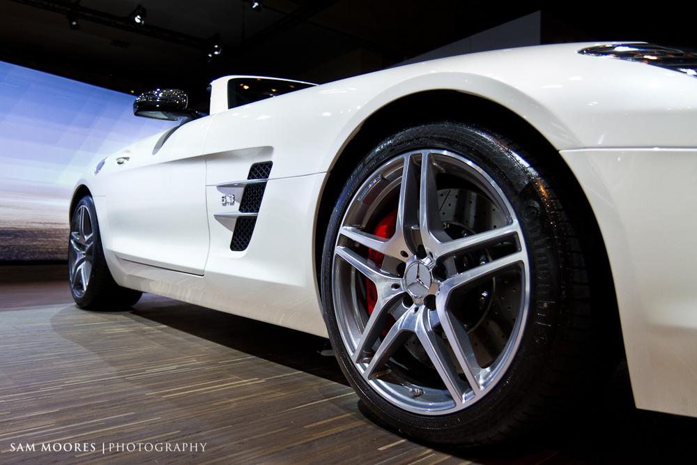 SMoores_11-11-10_Dubai-Motor-Show_0200.jpg