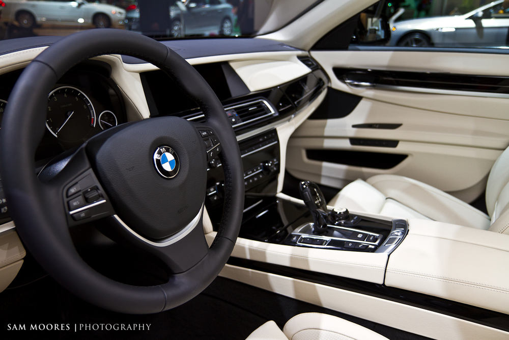 SMoores_11-11-10_Dubai-Motor-Show_0240-1.jpg