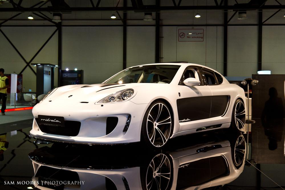 SMoores_11-11-10_Dubai-Motor-Show_0302-1.jpg
