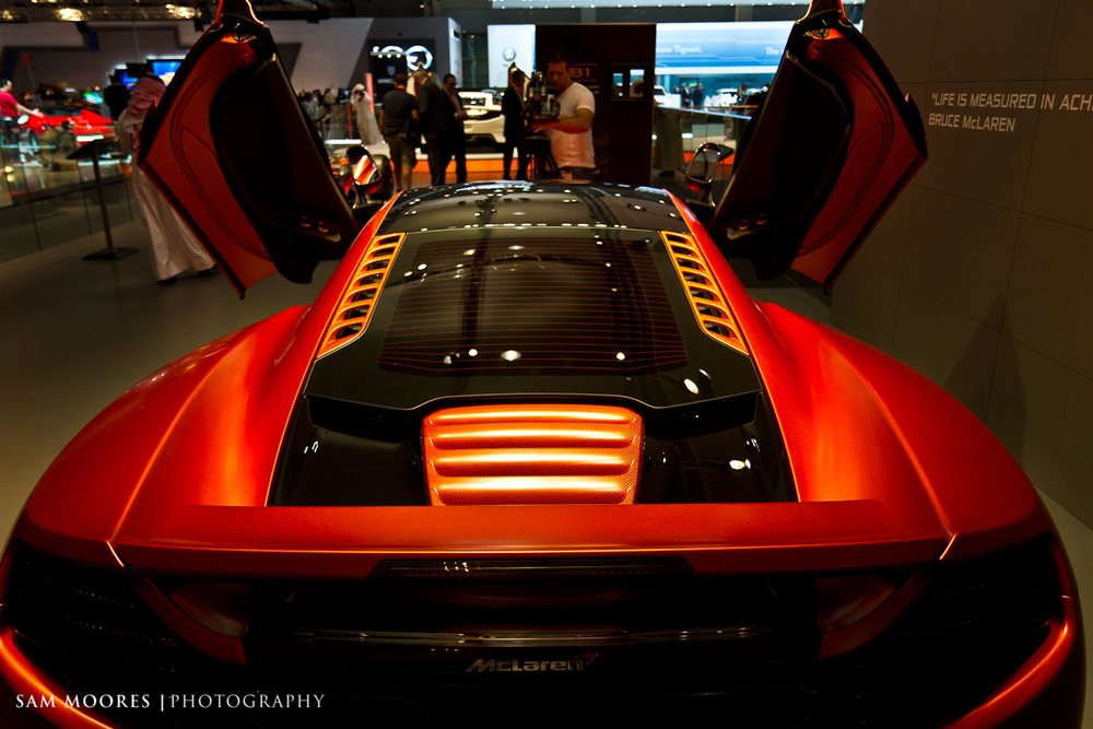 SMoores_11-11-10_Dubai-Motor-Show_0801.jpg