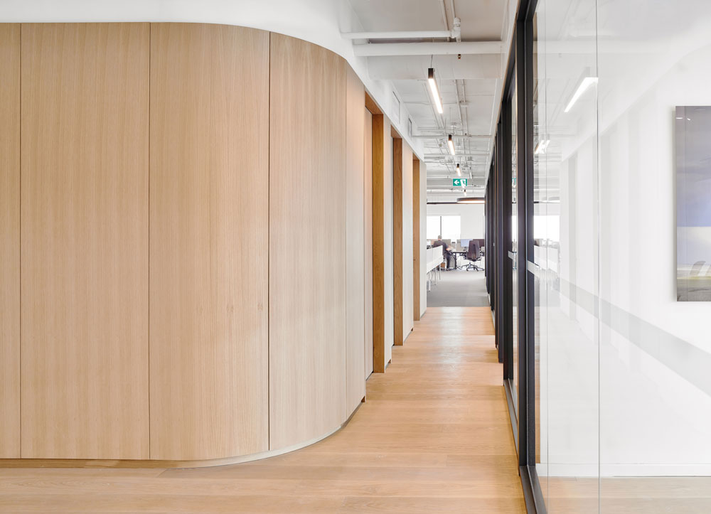 Waypoint-Office_6_Curved_Wall.jpg