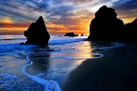 El Matador State Beach, California. Image via  craigwolf.com .