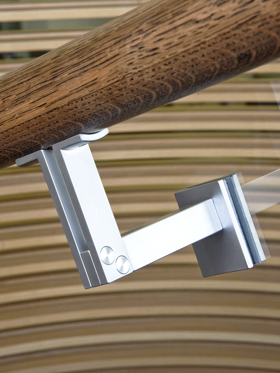 HB 550 : Bracket Mounted to Glass