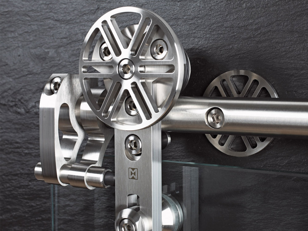 MWE_Chronos_Fitting_GlassDoor_detail.jpg