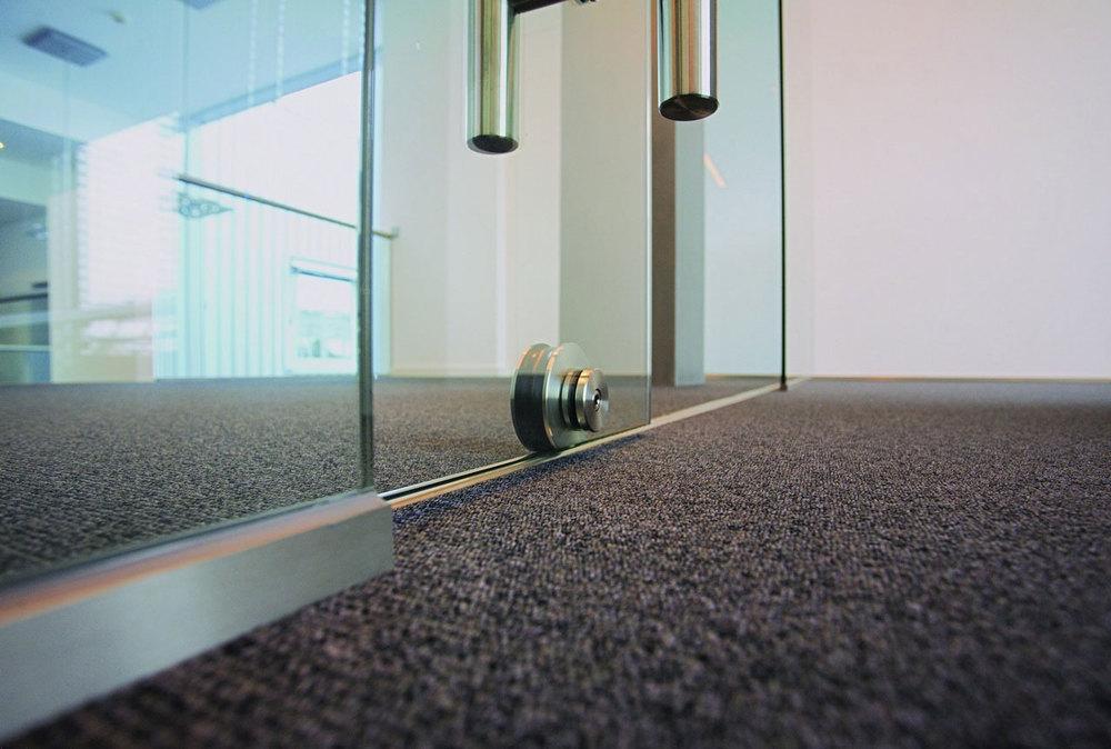 MWE_Terra_wideGlassDoor_Office_Carpet.jpg