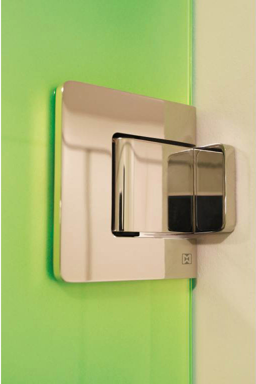 MWE_AgitusM_ShowerHinge_greenglass.jpg