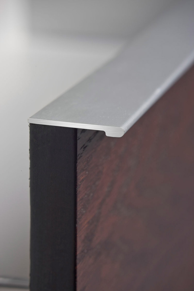 HB 380 : Continuous Drawer Pull