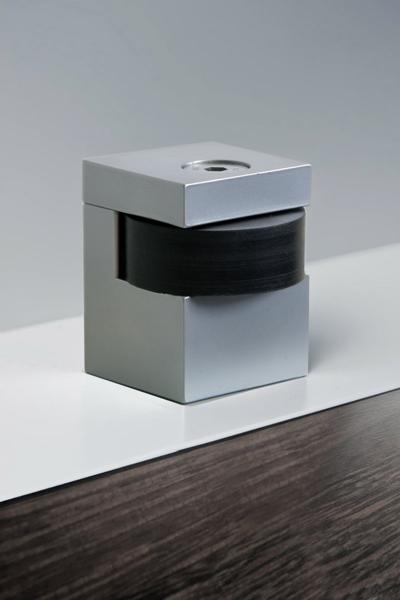 HB 725 : Cube Door Stop (non-magnetic)
