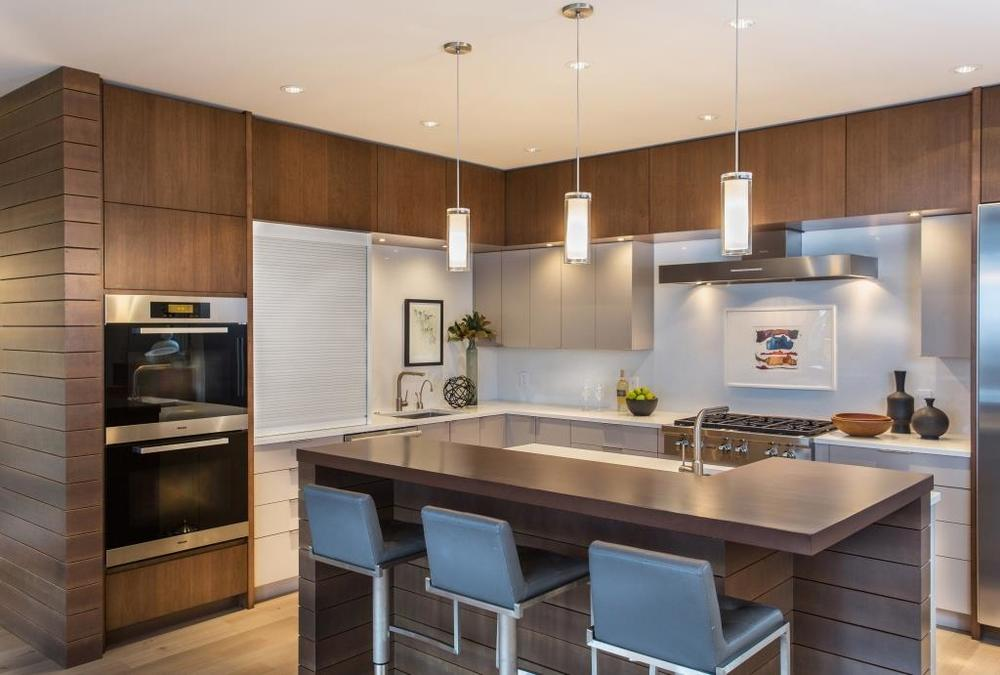 Kitchen1withArtworkV2houzz.jpg