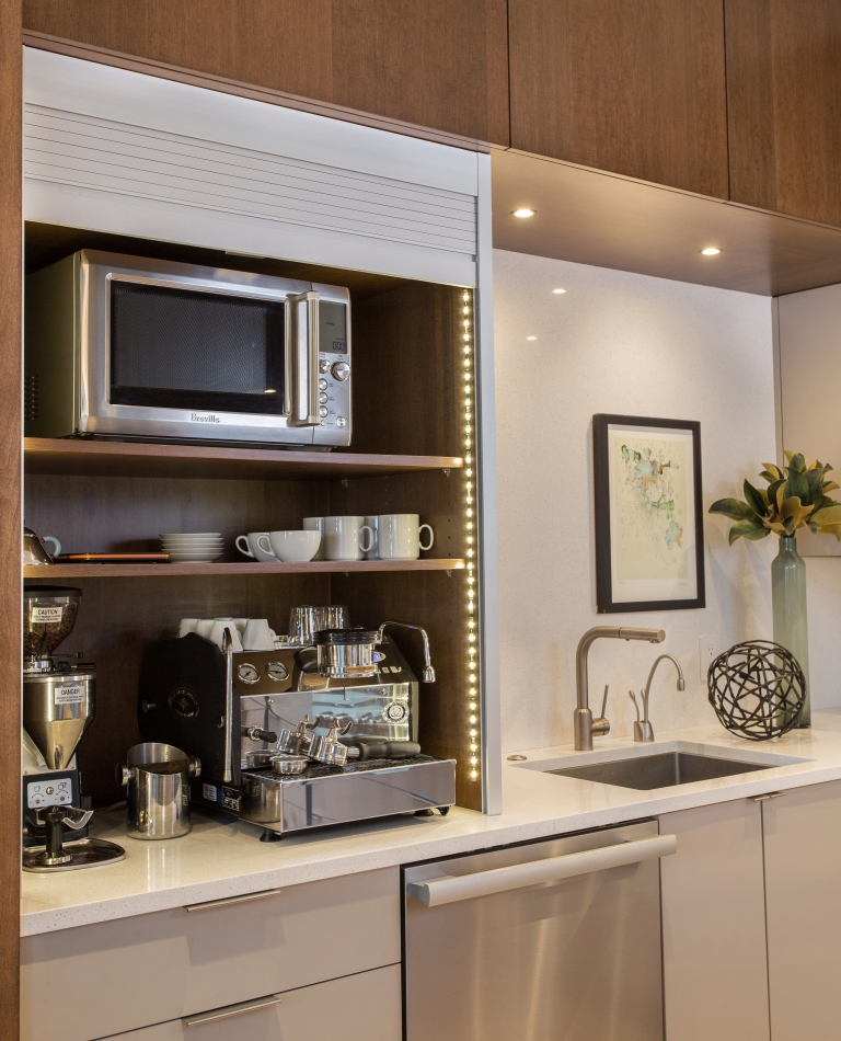 Kitchen4withArtworkV2houzz.jpg