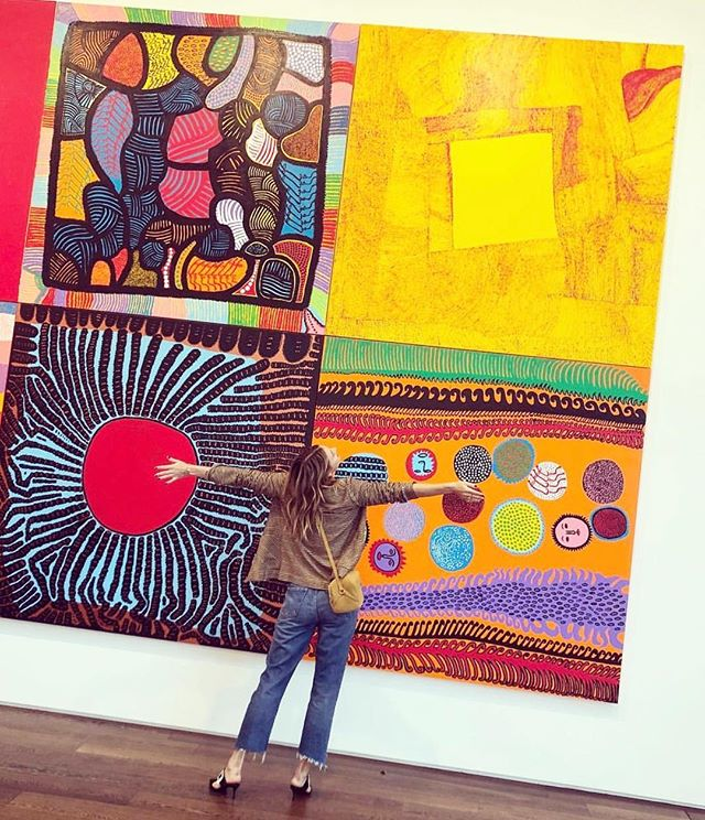 Thank you thank you! Touring the best art galleries in England with sunshine babe @mariasharapova 🔸🔶🔸 can you spot the Petit Kodara ⚡️