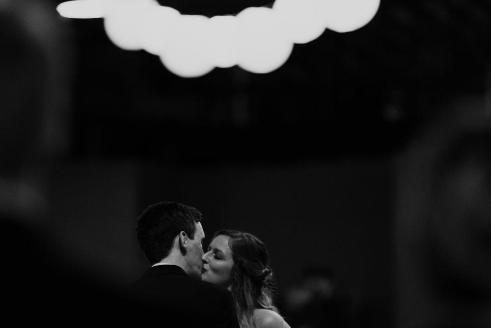 columbia-sc-wedding-photographer-winter-senates-end-downtown-40